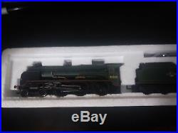 3 Model trains oo scale lot set and coaches All in their original boxes all run