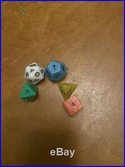 Dungeons And Dragons Basic Set Tsr 1001 Includes All 5 Original Dice 1978
