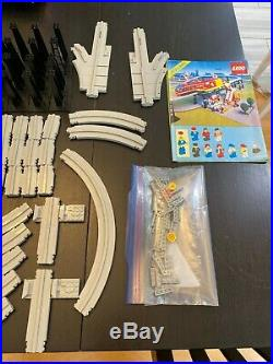 LEGO Town Airport Shuttle (6399) Great condition with box and ALL figures