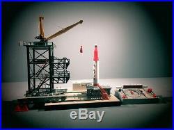 Lionel 175 Rocket Launcher Set With Rocket Controller C-7. All Original
