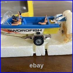 RARE Vintage Corgi Toys MIB Oldsmobile Glastron Gift Set No. 36